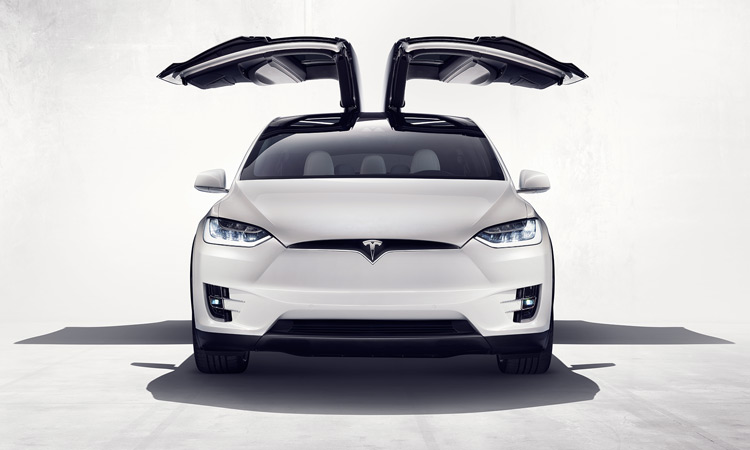 Первый электрокроссовер Tesla Model X купила компания Ford 2