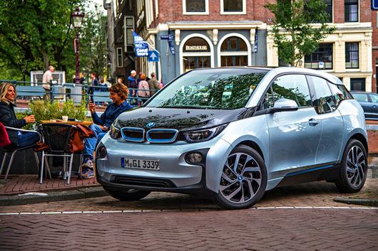 Продажи экологических автомобилей BMW стремительно снижаются 2