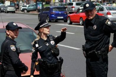 Какие документы имеет право требовать дорожный инспектор полиции 1
