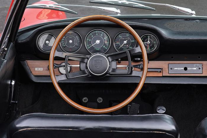 На аукцион выставили Porsche почти за 1 млн евро 2