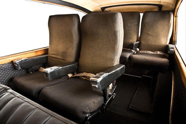 На аукцион выставили раритетный лимузин, принадлежавший Джону Леннону 3