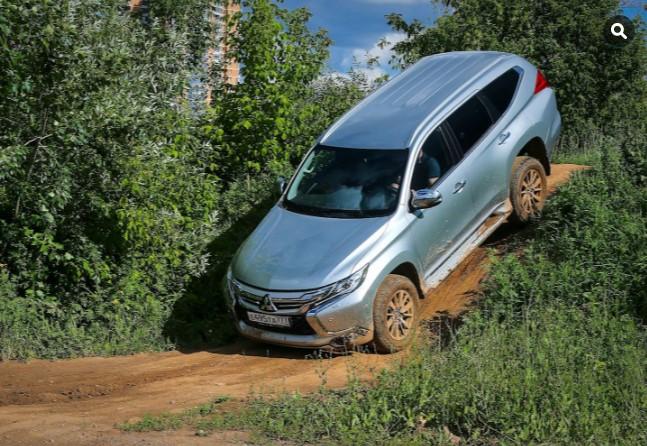 «Проверка бездорожьем»: тест-драйв нового Mitsubishi Pajero 3