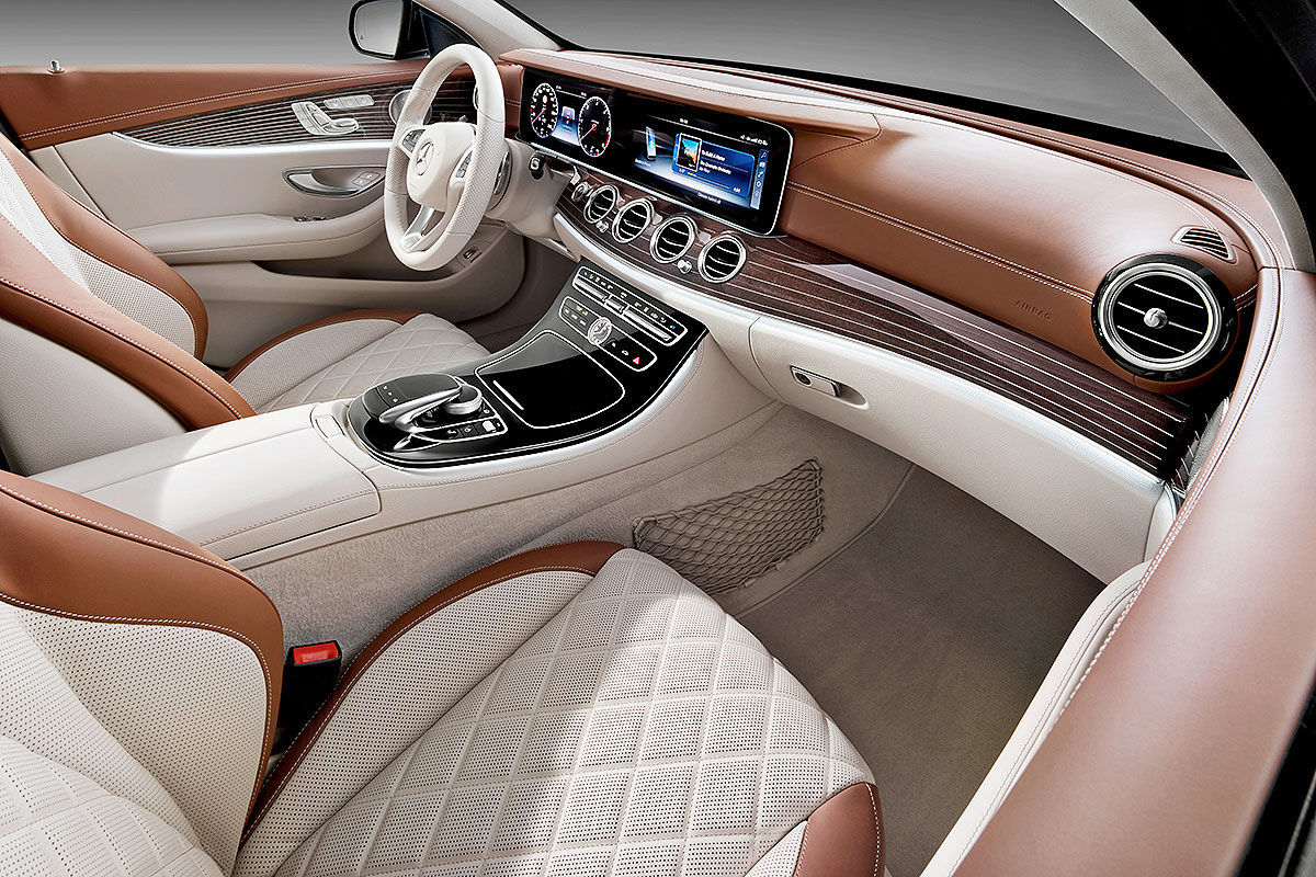 «Красивый снаружи, маленький внутри»: тест-драйв Mercedes E-class T-Model 4