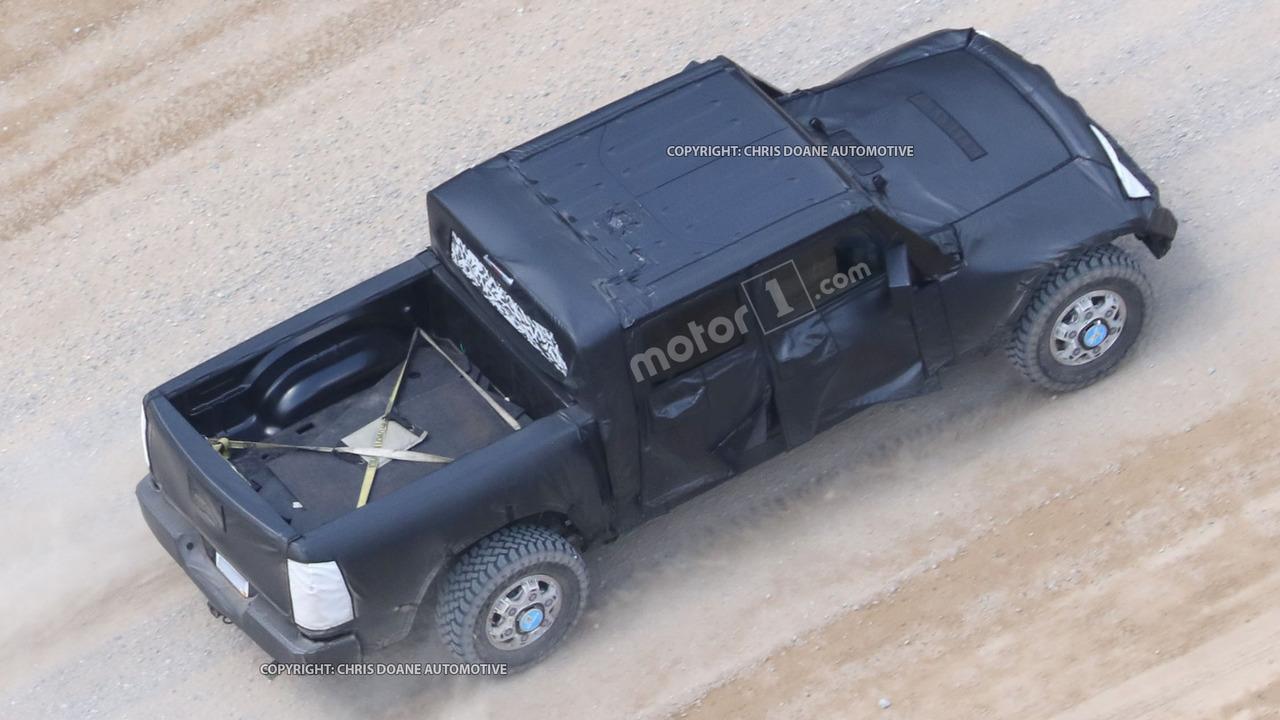 Фотошпионы «поймали» пикап Jeep Wrangler 3