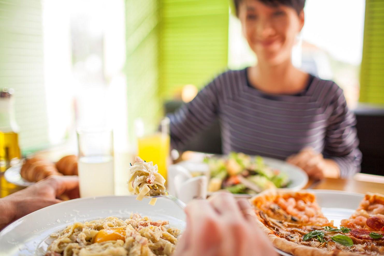 «ОККО» ежемесячно вкусно кормит почти 2 млн украинцев 1