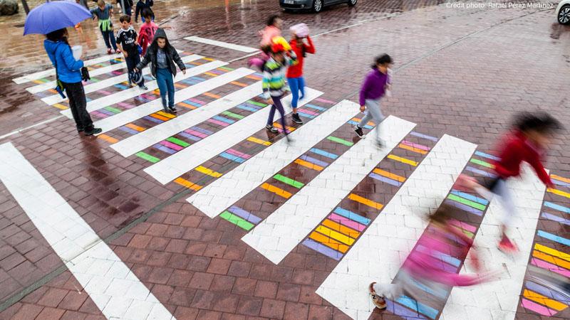 Художник превратил пешеходные переходы в произведения искусства 1