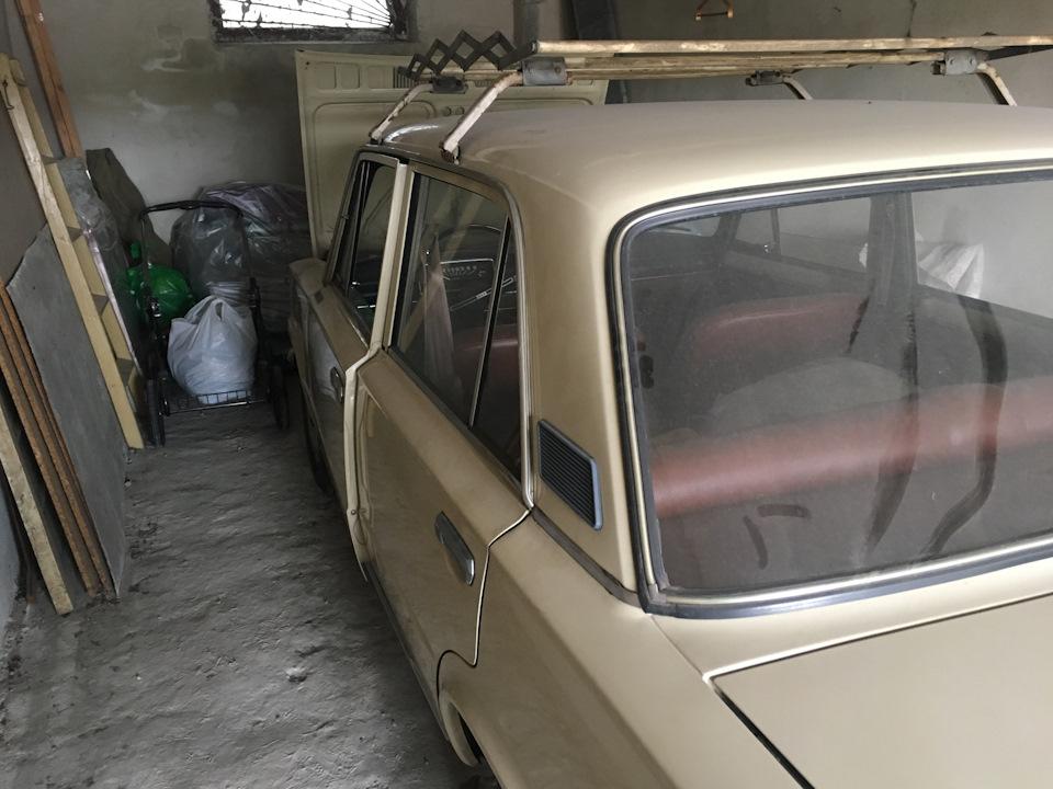 В украинском гараже нашли почти новую «копейку» 1983 года выпуска 3