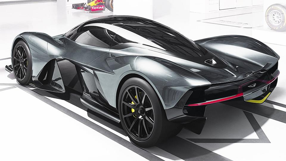 Новую модель Aston Martin «расхватали как горячие пирожки» 2