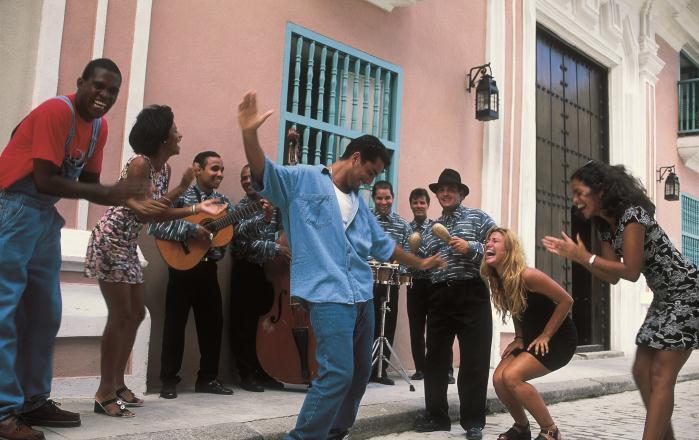 Infiniti Q60 «первым прописался» на Кубе 1