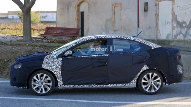 Водитель тестируемого Hyundai нахамил фотошпионам 1