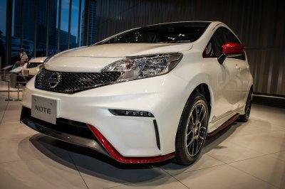 Nissan назвал цены на спорткар Note Nismo 1