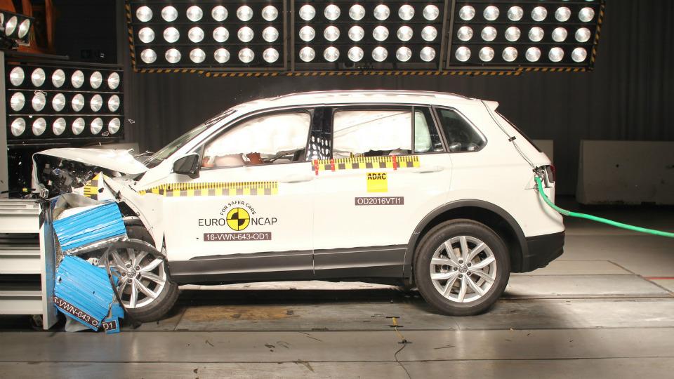 Названы самые безопасные автомобили в Европе 3
