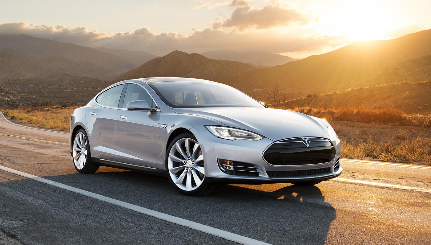 В США отзовут все электрокары Tesla Model S и суперкары Ferrari 1