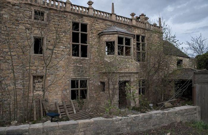 5 эксклюзивных авто нашли в «доме-призраке» 1