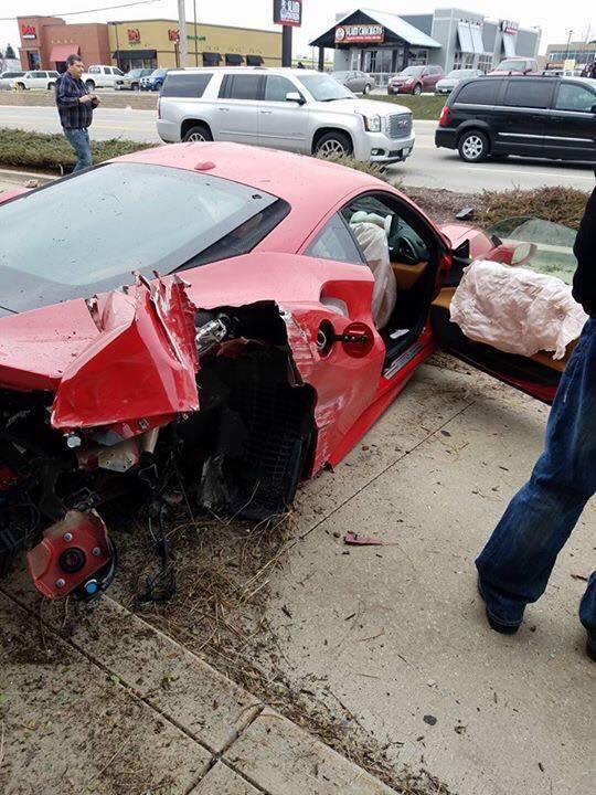 В США 18-летний «шумахер» разбил новую Ferrari 1