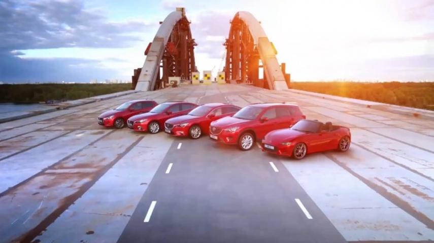 Mazda использовала недостроенный в Киеве мост для зрелищной рекламы 1