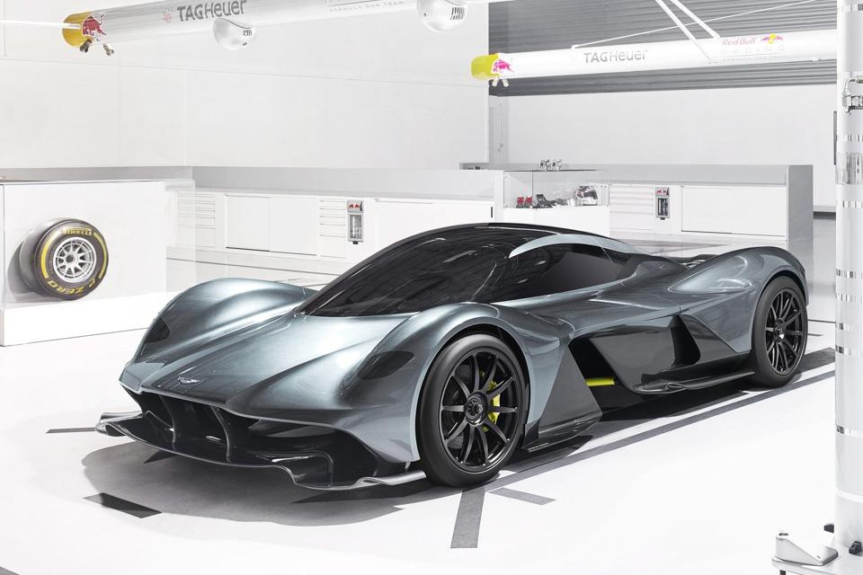 Новую модель Aston Martin «расхватали как горячие пирожки» 3