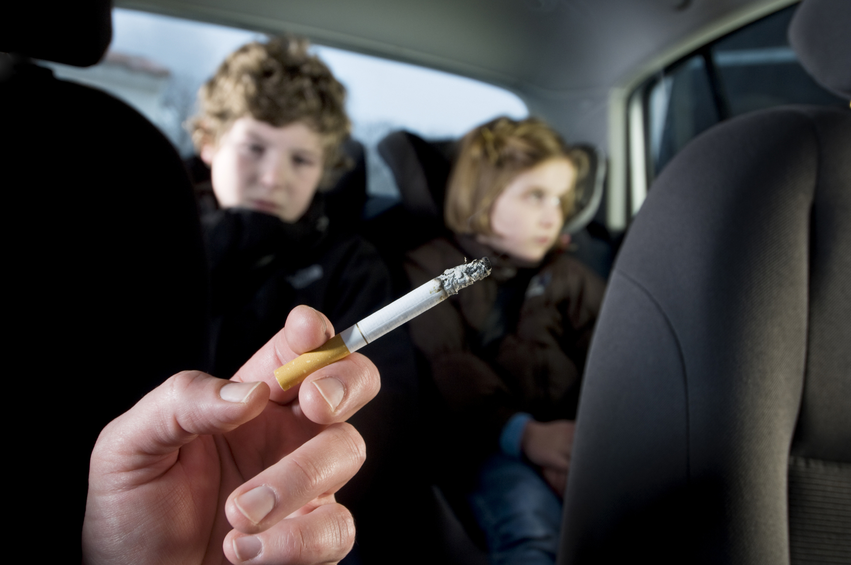 В Шотландии запретили курение в машине с детьми 1