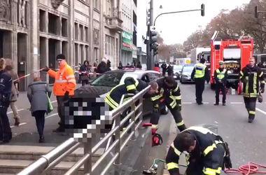 Автоледи перепутала метро с парковкой 1