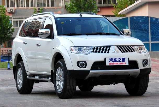 Mitsubishi отзывает внедорожники Pajero 1