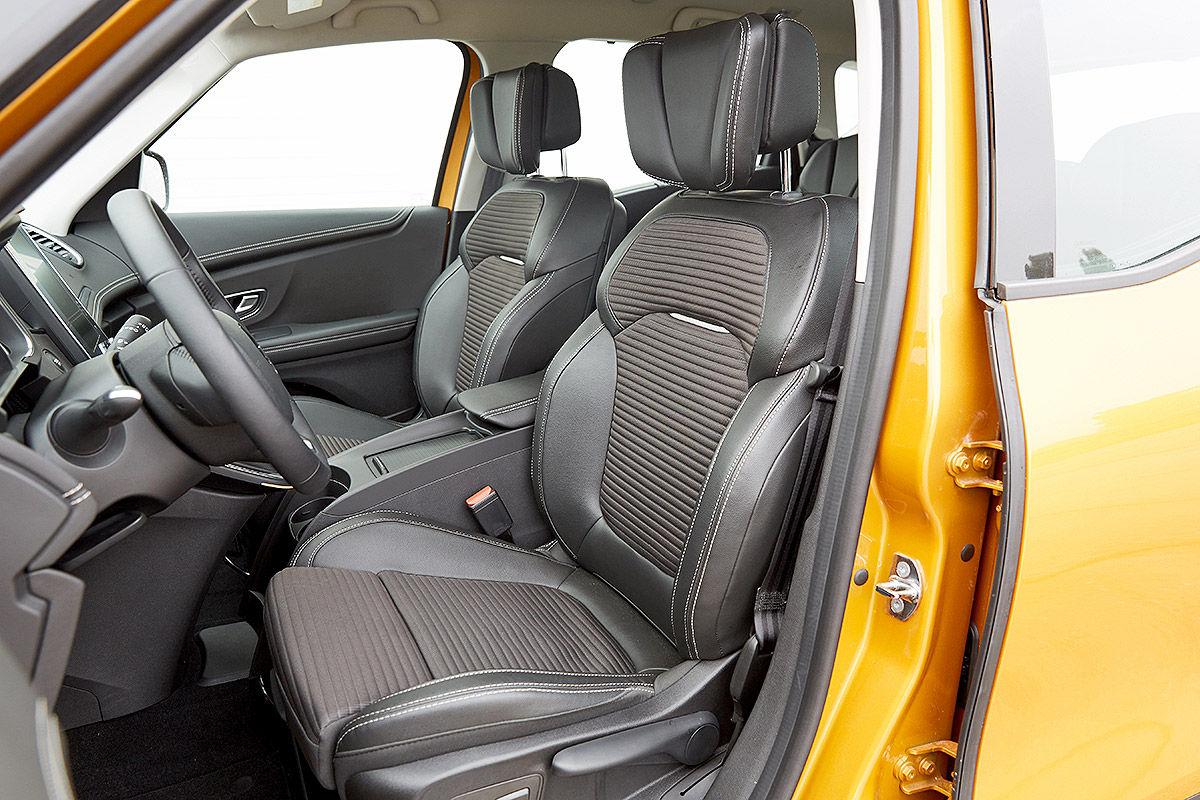 «Три красавца»: тест-драйв Opel Zafira, Renault Scénic и VW Touran 2
