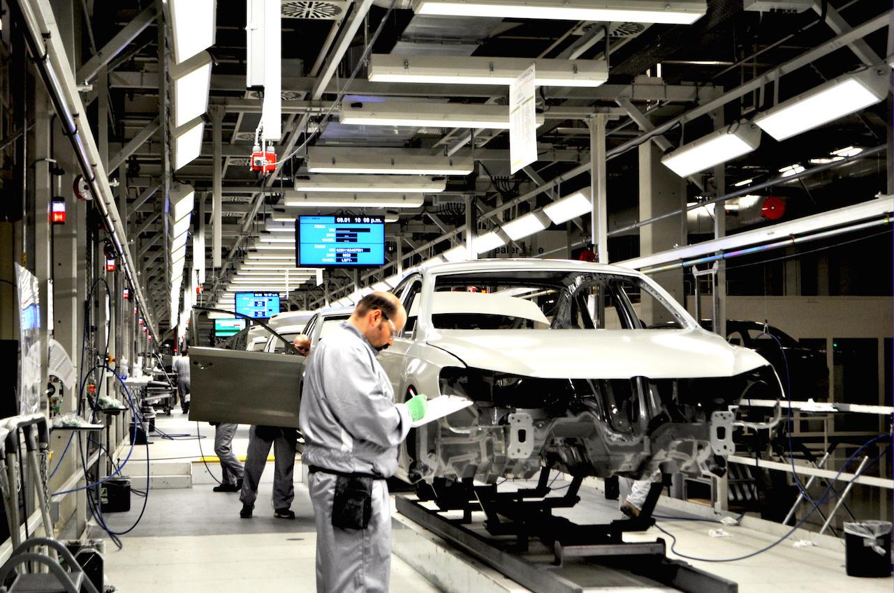 Volkswagen уволит десятки тысяч рабочих 1