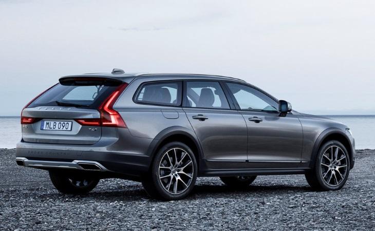 «Внедорожный» Volvo оснастили бензиновыми и дизельными турбомоторами 1