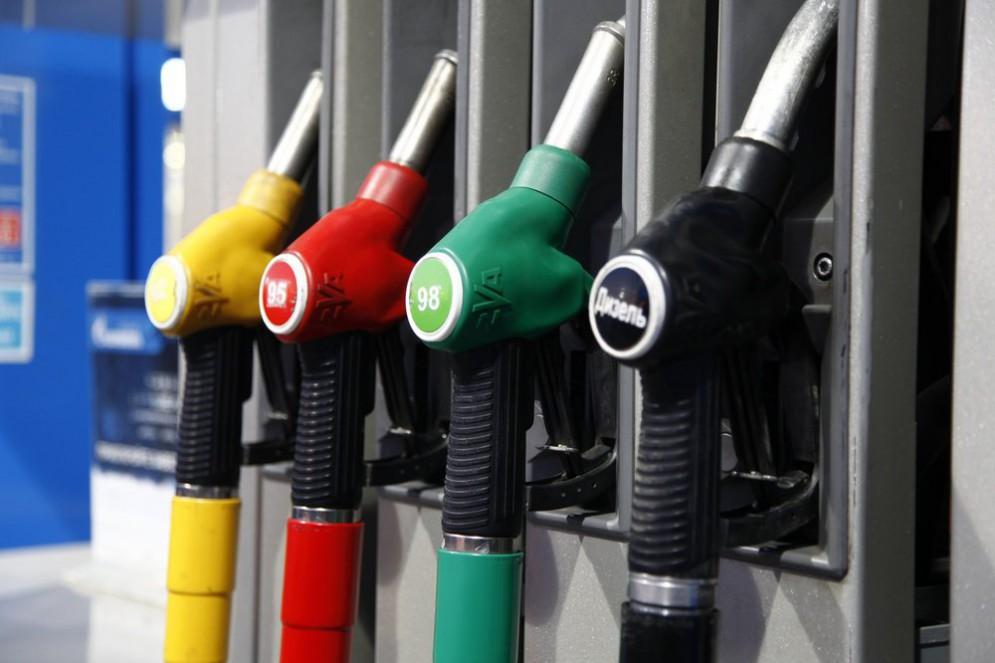РФ возобновила поставки дизеля в Украину: цены на АЗС «поползли вниз» 1
