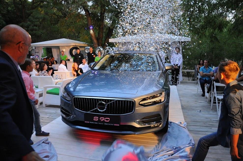 В Украине презентовали инновационный Volvo S 90 2