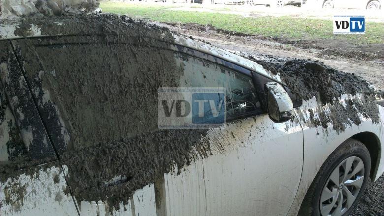 Строители «забетонировали» Toyota 2