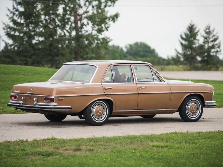 Mercedes не реставрированный 47 лет - в идеальном состоянии 1