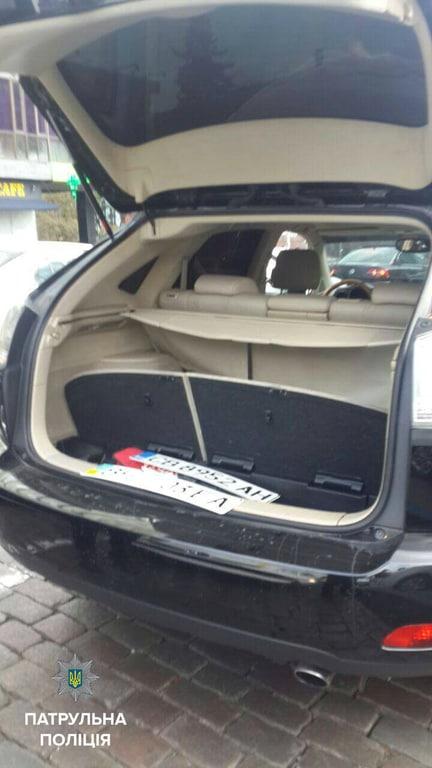 Погоня по «встречке»: водитель Lexus устроил «шоу на дороге» 2