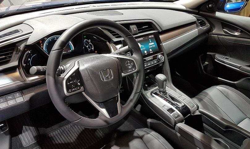 Новое поколение Honda Civic дебютировало в Париже 3