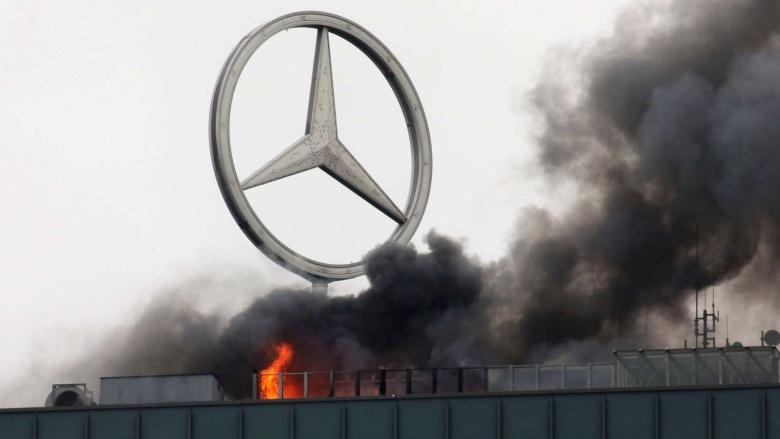Mercedes «запылал в огне» 3