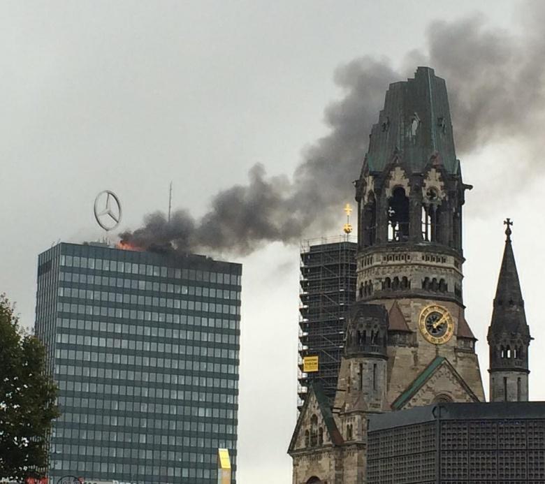 Mercedes «запылал в огне» 1