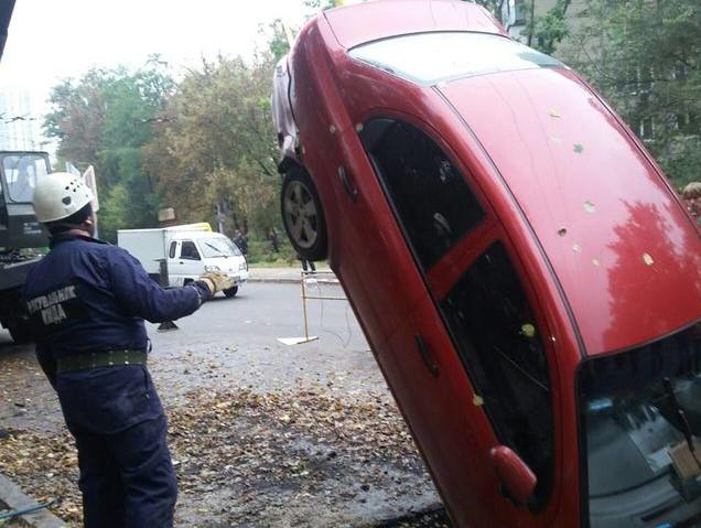 Chevrolet Aveo, который трое суток пролежал в яме, спасен 1