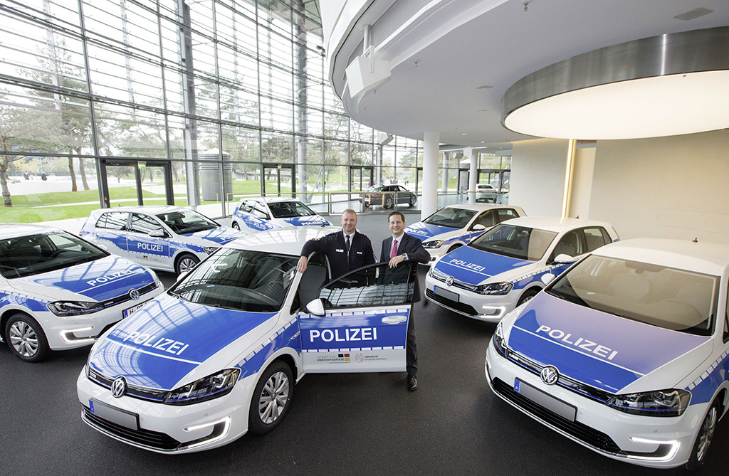 Полицейских пересадят на электромобили 2