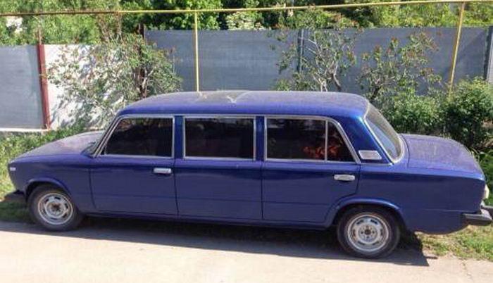 Бывает и такое: старые Жигули «превратились» в лимузин. 1