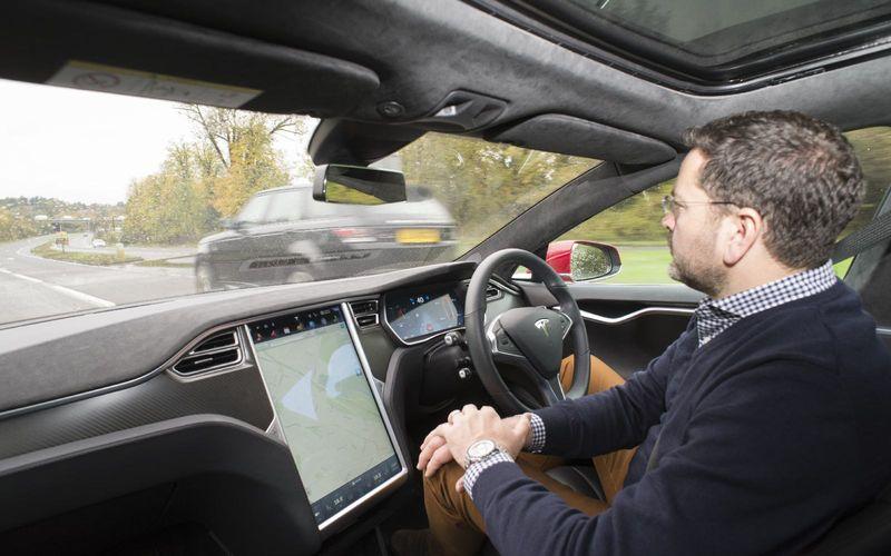 Tesla Motors запретят использовать «автопилот» 1