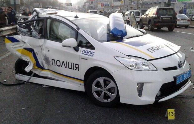 Копы рассказали почему «так часто разбивают» Toyota Prius 1