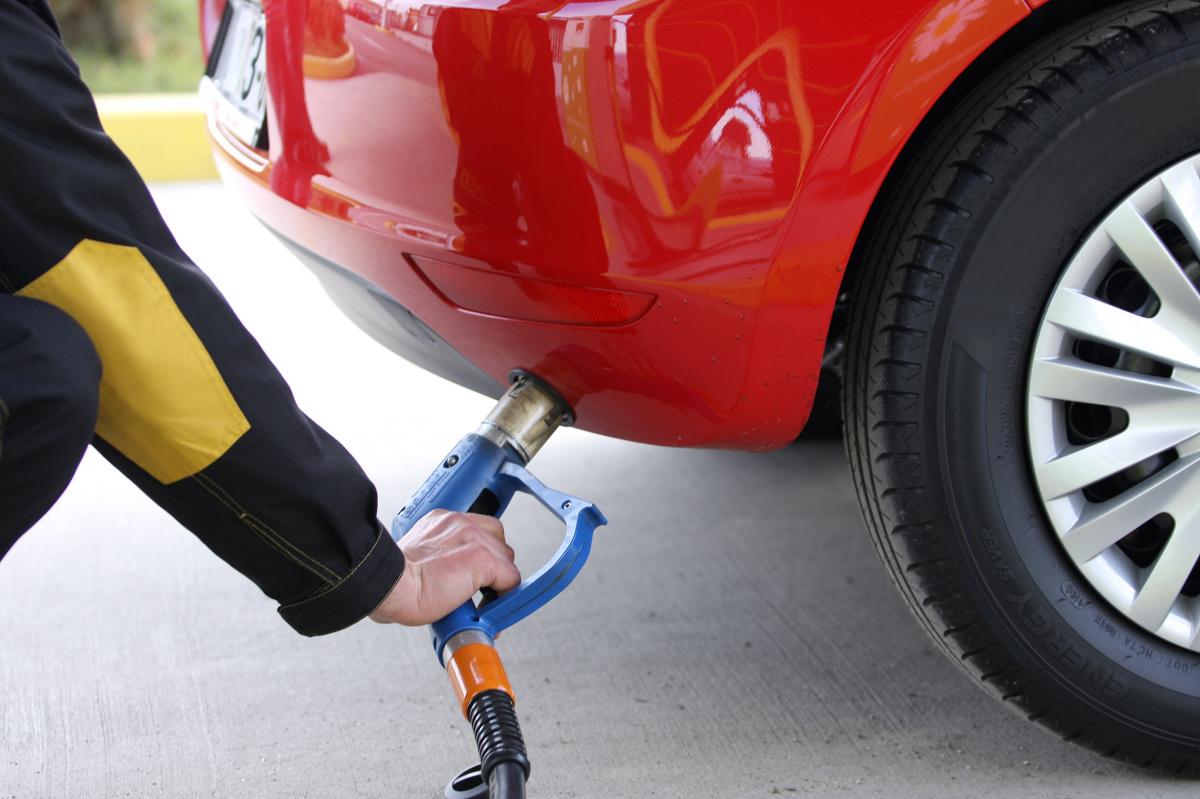 Автомобильный газ постепенно дешевеет 1