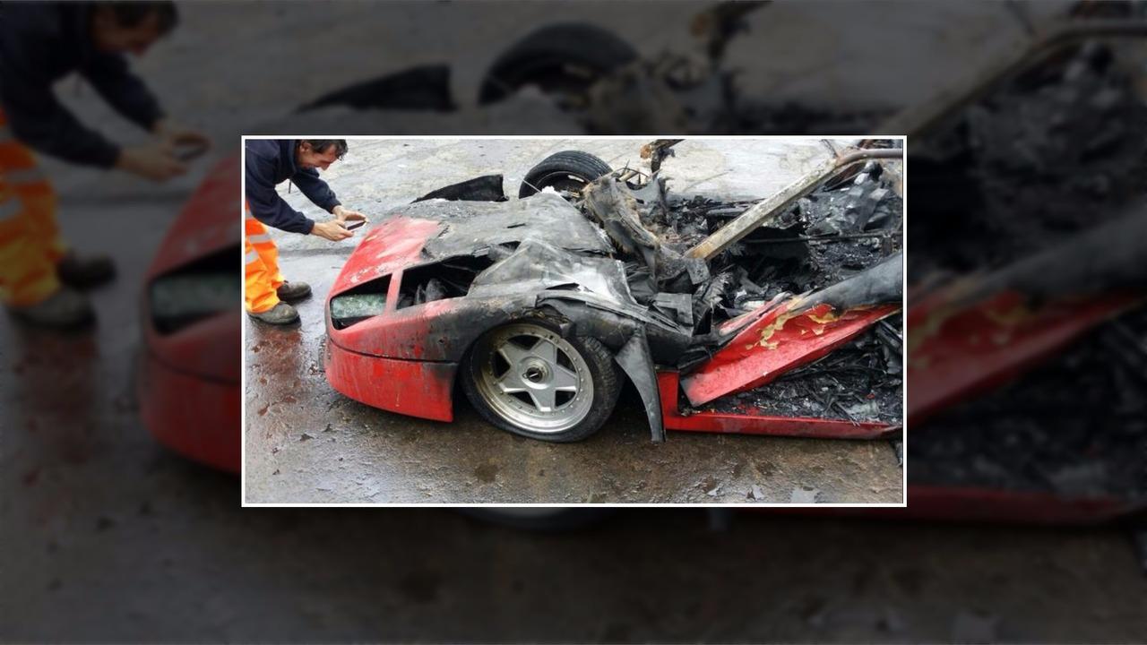 Отреставрированный Ferrari вспыхнул на ходу 1