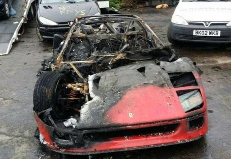 Уникальный Ferrari сгорел на тест-драйве 1