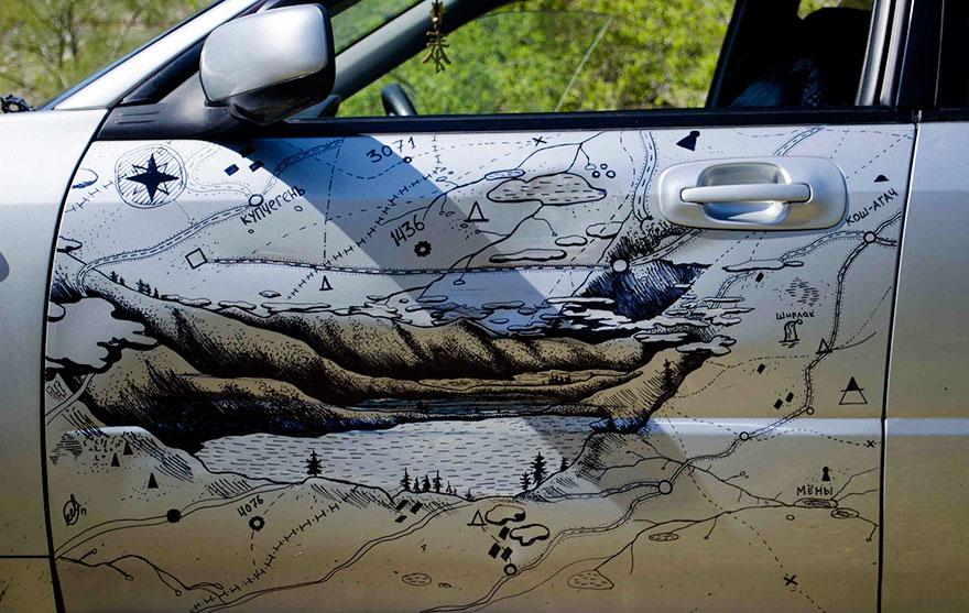 Автовладелец сделал из вмятин на кузове авто произведение искусства 3