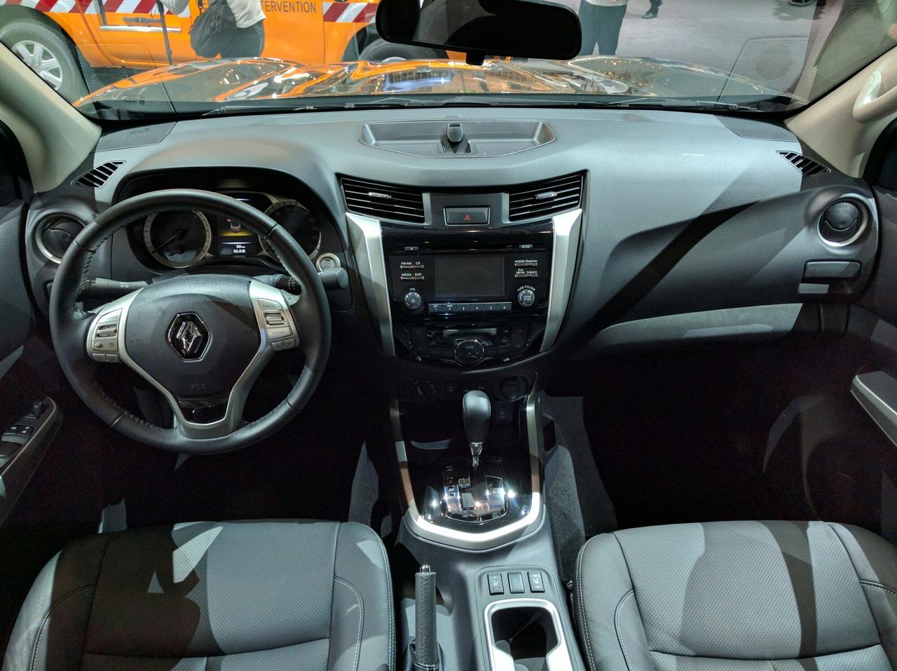 Renault презентовал серийный пикап Alaskan 4