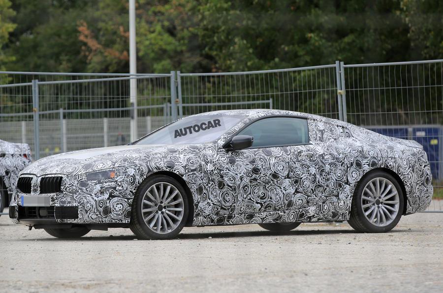 BMW вывел на тесты восьмую серию 1