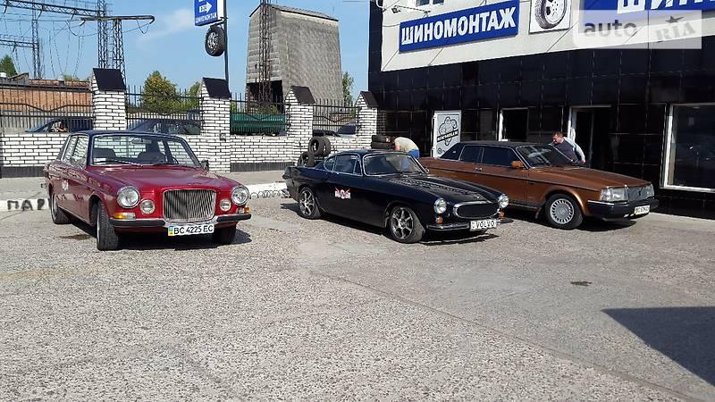 Украинец выставил на продажу коллекцию ретро-Volvo 1