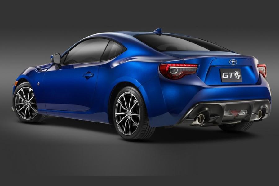 Toyota презентует обновленную модель GT86 2