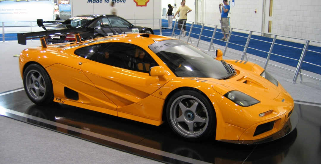 На аукционе представлен отреставрированный McLaren F1 1
