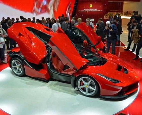 Компания Ferrari выпустит 70 экземпляров LaFerrari Spider 1
